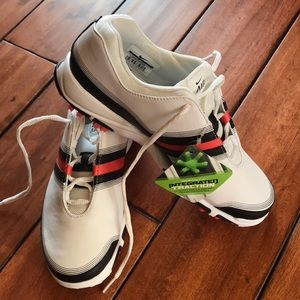 Women's Nike Air Golf shoes size 7.5